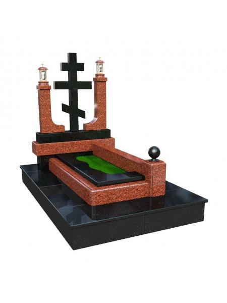 Мемориал с крестом из гранита